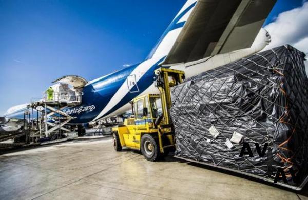 Read more about the article Российские грузовые авиаперевозки вышли из стагнации